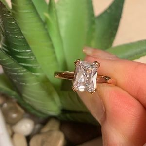 Jewelry - Stunning Rectangular CZ ring
